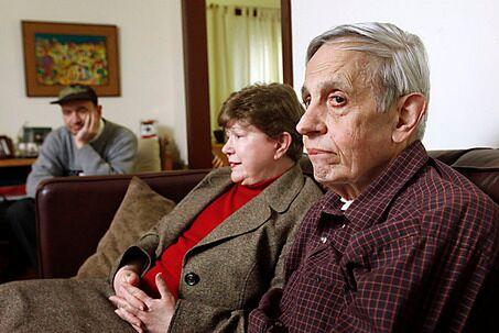 Семья Нэшей - Алисия, Джон-отец и Джон-сын (фото 2009 года)