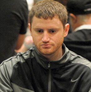 Дэвид Питерс, не снимая любимого костюма Nike, уже перебрался в Вегас и занял 3-е место в шутауте!