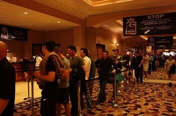 Стандартная картина за 10 минут до начала рандомного турнира за $1,500 в прошлом году