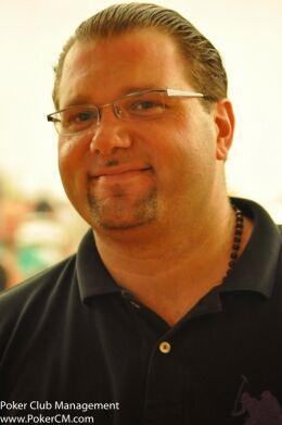 Майк Пелтеки