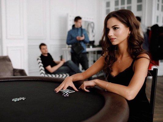 Смотреть онлайн женский покер бесплатно игровые автоматы гейминатор онлайн